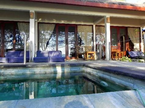 plunge-pool-and-exterior